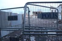 DICLE ÜNIVERSITESI - Yasaklı Bölgede Patlama Açıklaması 2 Çocuk Yaralı