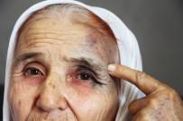 BOŞANMA DAVASI - Antalya'da 80 Yaşındaki Kadına Eski Gelininden Sokak Ortasında Dayak İddiası