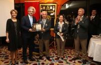 EFES - Başkan Akpınar'a Anlamlı Ödül
