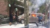 NANJING - Çin'de Araç Yayaların Arasına Daldı