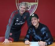 MESUT ÖZİL - Mesut Özil imzayı attı, Arsenal tarihine geçti