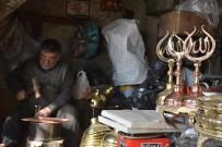 ULU CAMİİ - Türkiye'nin 'Alemi' Buradan Çıkıyor