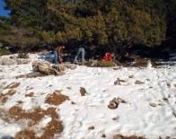 KARDAN ADAM - Aydınlılar Kar Hasretini Gidermek İçin Yaylaya Çıktı