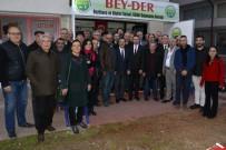 HATIRA FOTOĞRAFI - Başkan Ataç'tan Bey-Der'e Ziyaret