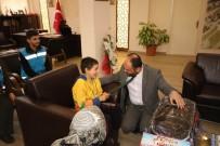 SARıKÖY - Başkan Özaltun, Bedensel Engelli Toprak'ı Misafir Etti