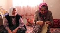 SURİYE - Mehmetçik'e Ördüğü Çorapları Gönderdi