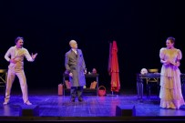 SADRİ ALIŞIK - Muhsin Ertuğrul'un Anıları TSKM'de Sahnelendi