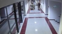 GENERAL - ÖKK'nın 2 Kritik İsmi Bak İle Çelik Böyle Gözaltına Alındı