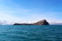 KÜRESEL ISINMA - Van Gölü'nün Yüzey Suyu Sıcaklıkları Artıyor