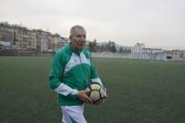 KARAÇAY - 69 Yaşındaki Şerif Kunt, Karaçay Gençlik Spor Kulübü'ne Transfer Oldu
