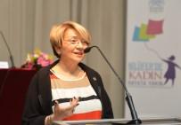 MUSTAFA BOZBEY - Doster Açıklaması 'Türkiye'de Yazacak Çok Konu Var'