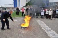 YANGIN TÜPÜ - Gençlik Hizmetleri Müdürlüğü Çalışanlarına Temel Yangın Eğitimi