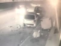 METRO İSTASYONU - Kontrolden Çıkan Otomobil Yayaya Ve 3 Araca Çarptı