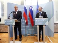RUSYA - Lavrov Açıklaması 'Rusya, Suriye'de Dökülen Kanı Durdurmak İçin Çalışıyor'