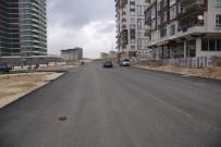 MEHMET POLAT - Seyrantepe'de Yeni Açılan Yollar Asfaltlanıyor