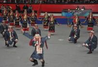 KÜLTÜR SANAT - Uşak'ta Halk Oyunları Yarışması Düzenlendi