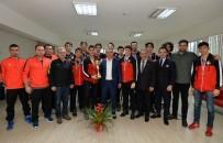 SINAN ÖZKAN - Uysal, Şampiyonları Ağırladı