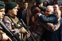 ABDULLAH ERIN - Bakan Fakıbaba Afrin'e giden PÖH'leri sarılarak uğurladı
