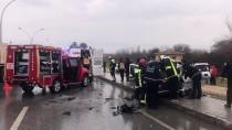 KORUCUK - Denizli'de Otomobil Kamyona Çarptı Açıklaması 1 Ölü, 2 Yaralı
