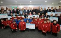 BADMINTON - Gaziosmanpaşa Belediyesi'nden Spor Kulüplerine 200 Bin Lira Nakdi Yardım