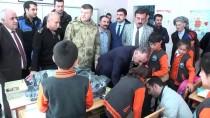 ÇANAKLı - Hakkari'de Polis Ve Askerden Anlamlı Ziyaret
