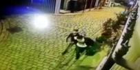 GÜVENLİK GÖREVLİSİ - Hırsızı Silah Çekip Suçüstü Yakaladı, Polise Teslim Etti