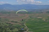 PARAŞÜTÇÜ - Karabük'te Yamaç Paraşütü Heyecanı