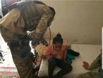 SAĞLIKÇI - Mehmetçikten Afrin'deki Sivil Halka Yardım Eli