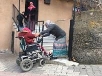 BEL FITIĞI - Hayatındaki Engelleri Aştı, Evinin Önündeki Rampaya Takıldı