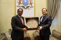 SOMALİ CUMHURBAŞKANI - Somali Cumhurbaşkanı Fermacu İle Görüştü