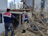 DEĞIRMENLI - Tokat'ta Kullanılmayan İki Katlı Ahşap Ev Çöktü Açıklaması 1 Ölü