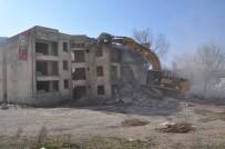 BATMAN BELEDIYESI - Belediyeden Vatandaşı Ve Kenti Rahatlatan Çalışmalar