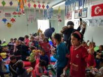 KADİR ÇELİK - Çadır Kentte Kalan Suriyeli Çocuklar Sevindirildi