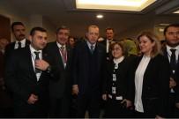 İL BAŞKANLARI - Cumhurbaşkanı Erdoğan Ve Başbakan Yıldırım'dan Fatma Şahin'e Yakın İlgi