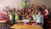AHMET KESKIN - Evinde Eğitim Alan Öğrenciye Mutlu Eden Sürpriz