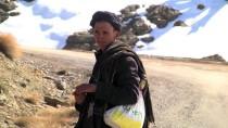 KÖY YOLLARI - Fas'ta Yoğun Kar Yağışı Köy Yollarını Kapattı