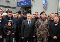 İSTANBUL EMNIYET MÜDÜRÜ - İstanbul'dan 48 Özel Harekat Polisi Afrin'e Dualarla Uğurlandı