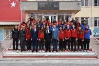 BAYAN VOLEYBOL TAKIMI - Salihli'de 5'İnci 'Sporu Seviyoruz' Paneli