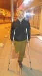 AHMET ÇıNAR - Sokakta Yaşayan Engelli Vatandaşa Vali'den Yardım Eli