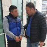 TEMİZLİK İŞÇİSİ - Temizlik İşçisi, 13 Yaşındaki Kız Çocuklarına Tacizden Tutuklandı