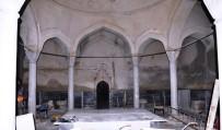 NEVZAT DOĞAN - Yeni Hamam'da Yenileme Çalışmaları Sürüyor