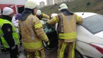 CAFER YıLMAZ - Başakşehir'de Zincirleme Kaza