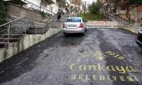 YOL ÇALIŞMASI - Eğimli Bölgelere Merdivenli Yol