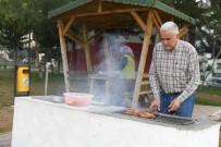 MANGAL KEYFİ - Adanalılar Mangal Parkta Keyif Yapıyor