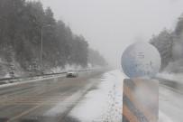 KAR LASTİĞİ - Bolu Dağında Kar Yağışı Etkili Oluyor