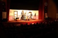 MUSTAFA AKSU - Develi'de 'Tut Elimden' Tiyatro Oyunu Sahnelendi