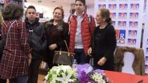 HALTER ŞAMPİYONASI - Elçin Gümrükçüoğlu'nun Anı Kitabı 'Sefire' Okurla Buluştu