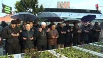SABAH NAMAZı - Necmettin Erbakan, Mezarı Başında Anıldı