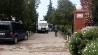 HUZUR MAHALLESİ - Dehşet! Anne ve babasını bıçaklayarak öldürdü