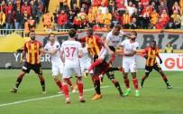 SABRİ SARIOĞLU - Spor Toto Süper Lig Açıklaması Göztepe Açıklaması 1 - Demir Grup Sivaspor Açıklaması 0 (İlk Yarı)